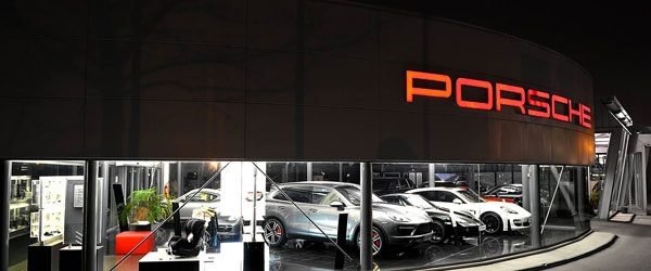centre-porsche-toulon-garage.jpg