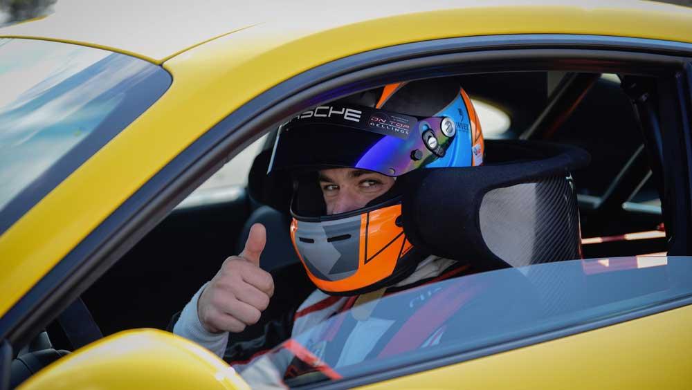 pilote test et developpement lars kern porcshe 911 gt3 nurburgring 2017