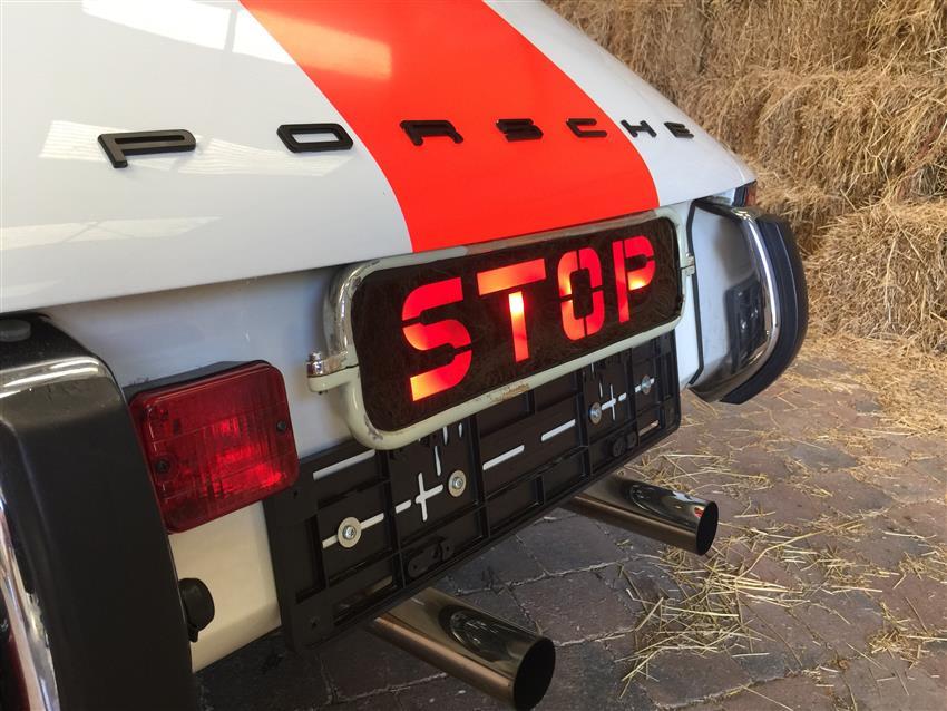 une ancienne porsche 911 2 4 de la police belge est vendre 911andco. Black Bedroom Furniture Sets. Home Design Ideas