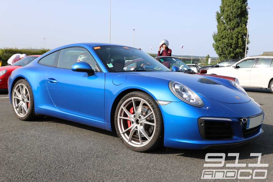 Porsche 911 Carrera S desiglé Bleu Saphir Porsche Days 2017 02