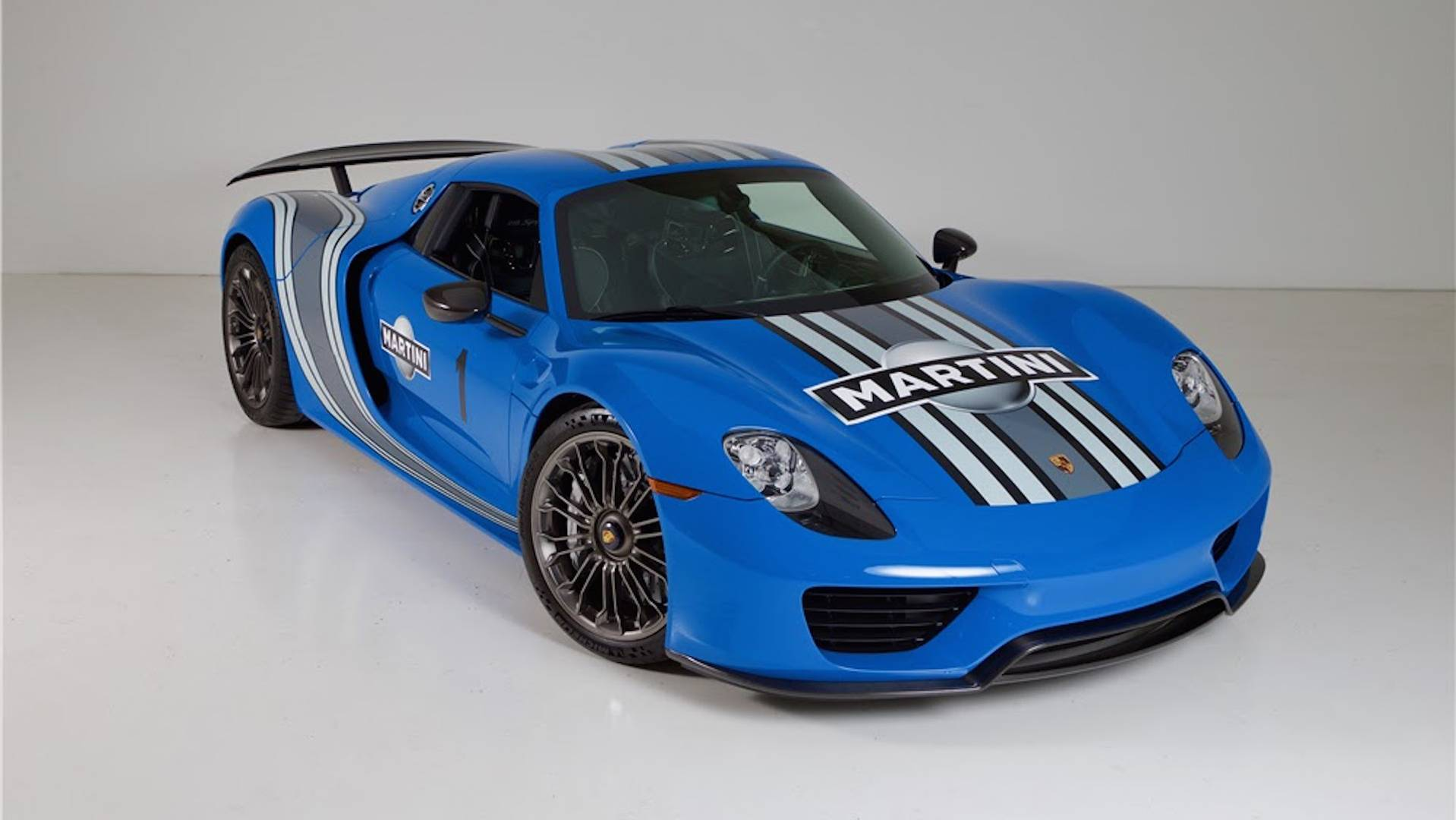 une porsche 918 spyder unique au monde aux ench res. Black Bedroom Furniture Sets. Home Design Ideas