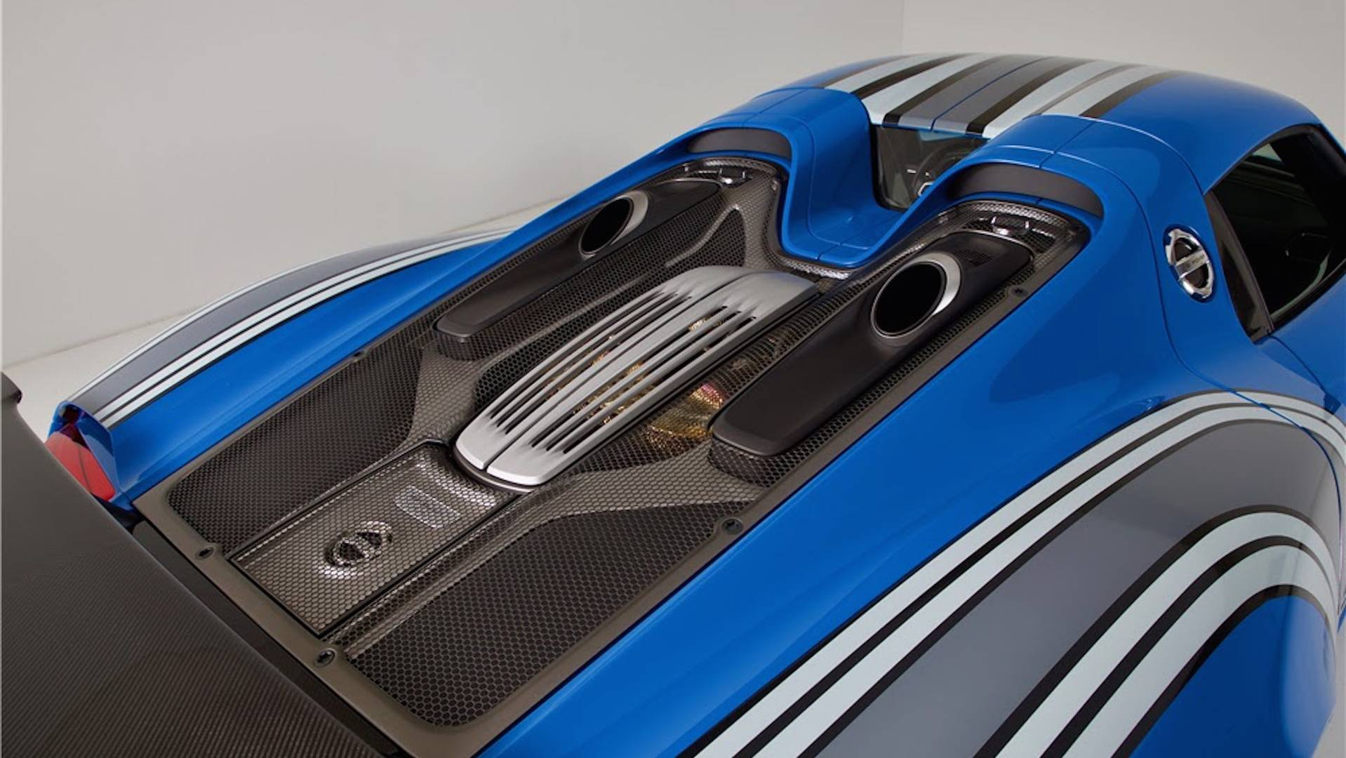 une porsche 918 spyder unique au monde aux ench res. Black Bedroom Furniture Sets. Home Design Ideas