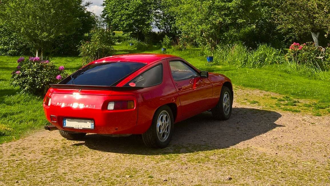 Porsche 928 S 1980 indishrot gards red rouge indien 01
