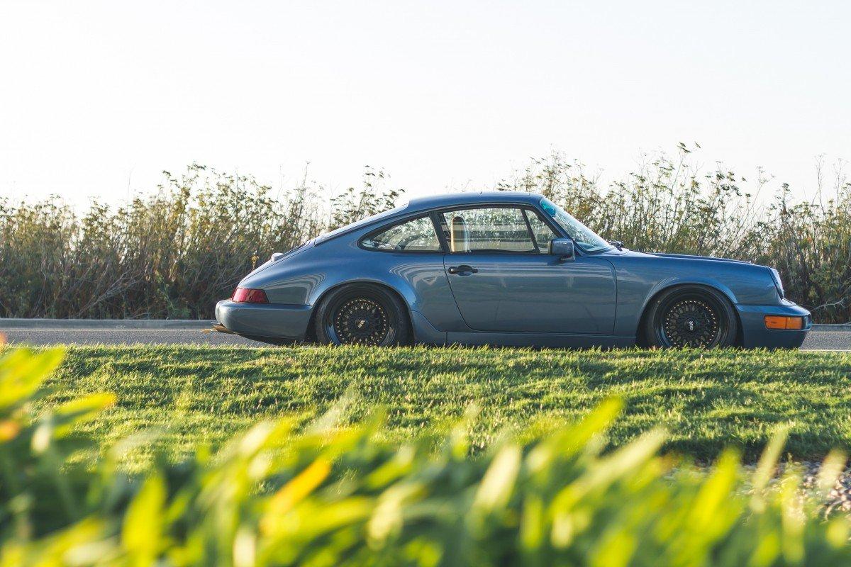 Porsche 911 (964) vol voiture