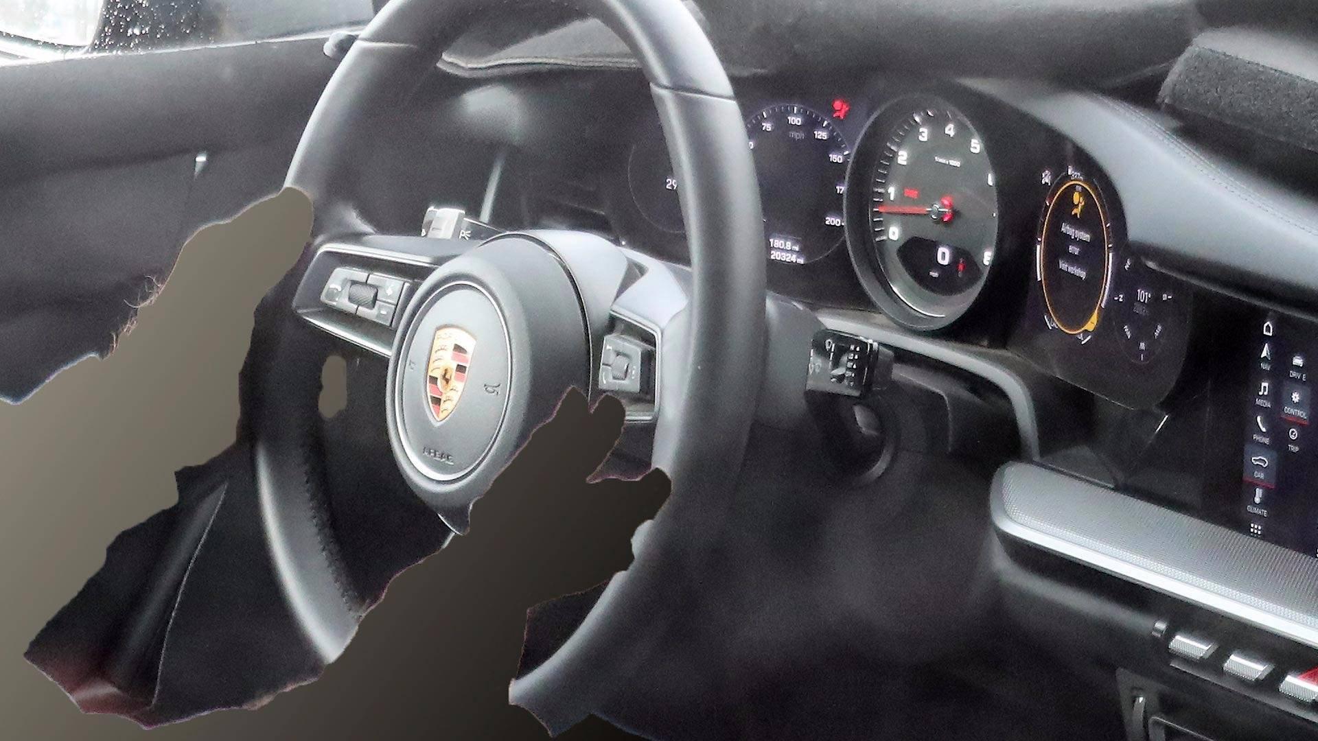 Porsche 992 tout savoir sur la future 911 911andco for Interieur 911