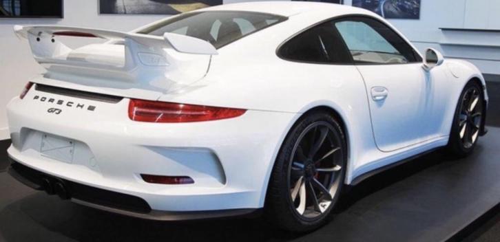 Lot 18 Porsche 911 GT3 Clubsport