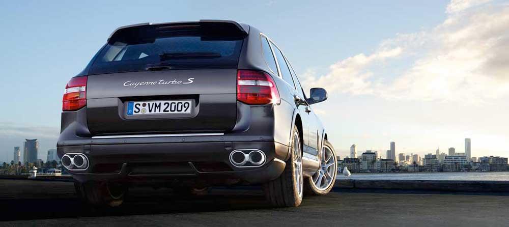 PORSCHE Cayenne Turbo S 550 ch 01
