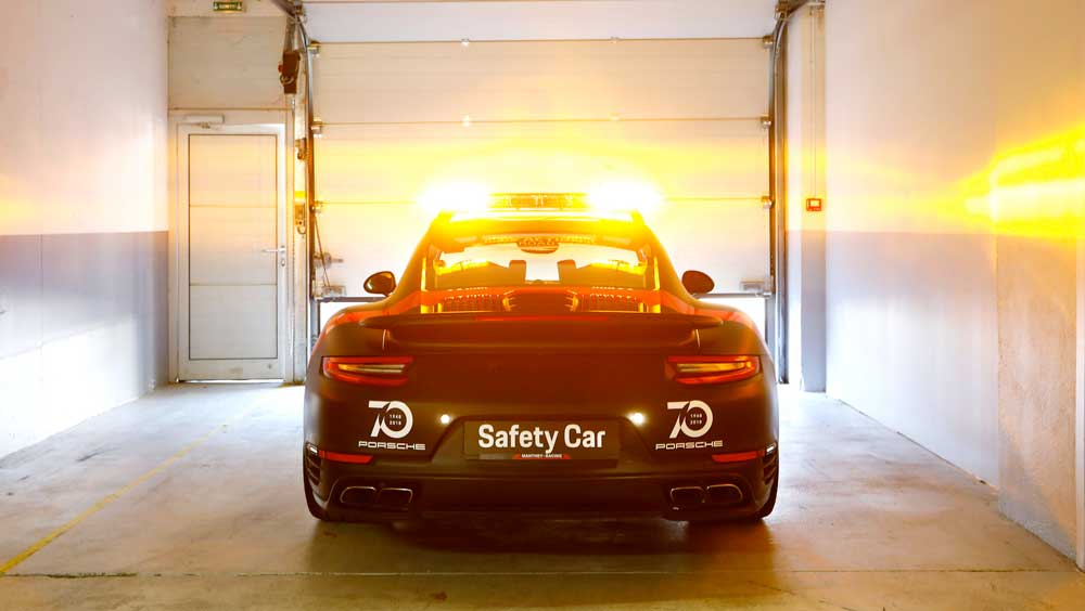 porsche 911 turbo 540 safety car 2018 08