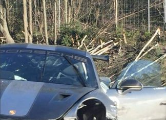 Porsche 911 GT2 RS crash