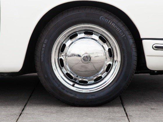 Evolution de la carrosserie des Porsche 911 2l de 1965 à 1969 24