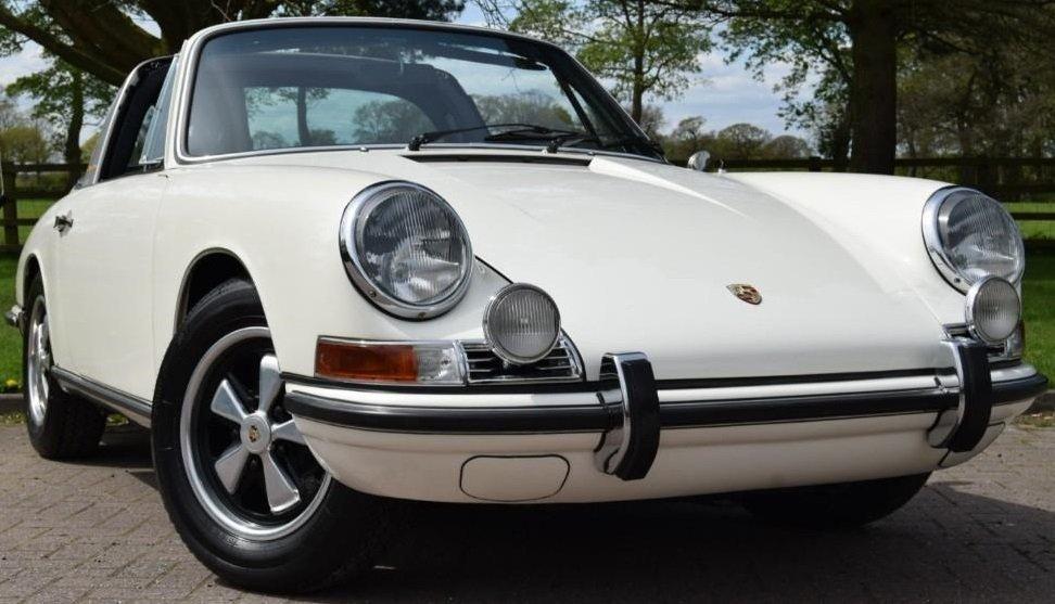 Evolution de la carrosserie des Porsche 911 2l de 1965 à 1969 45