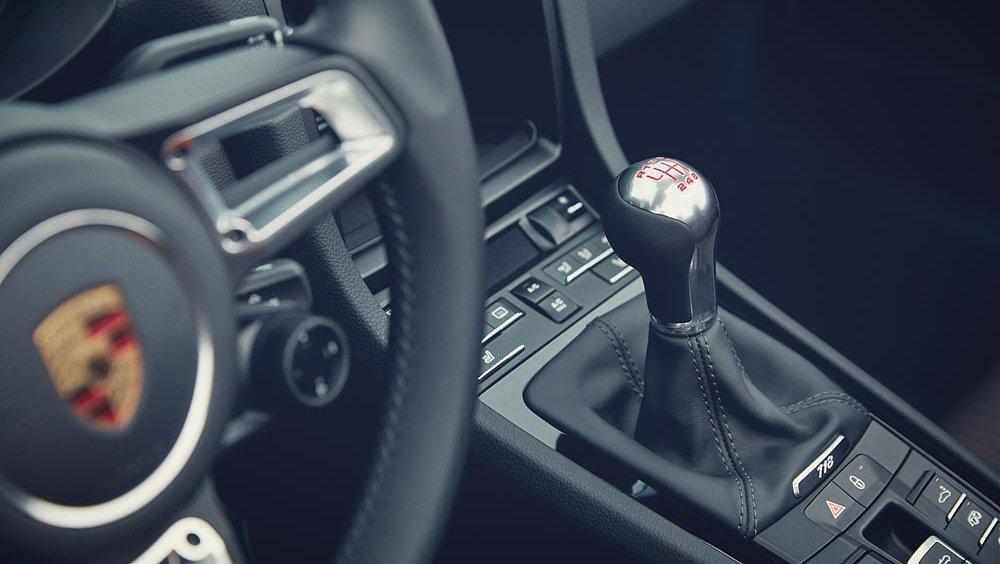Nouveau-Porsche-718-Boxster-T-718-Cayman-T-06