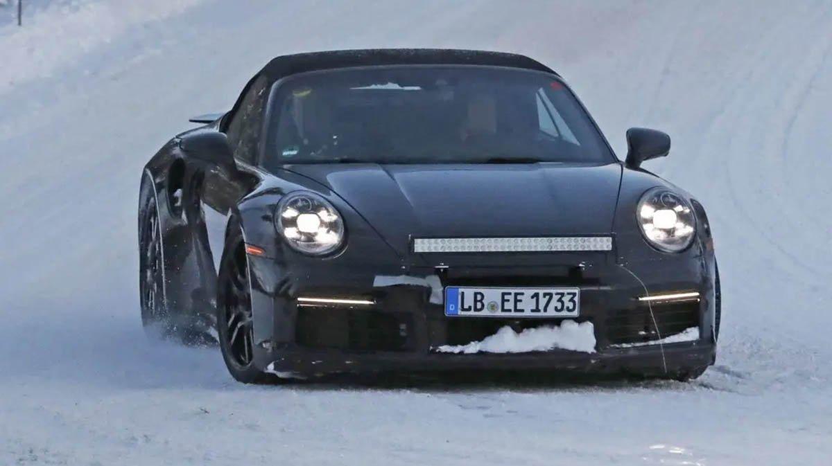Porsche 911 992 Turbo S Cabriolet 02