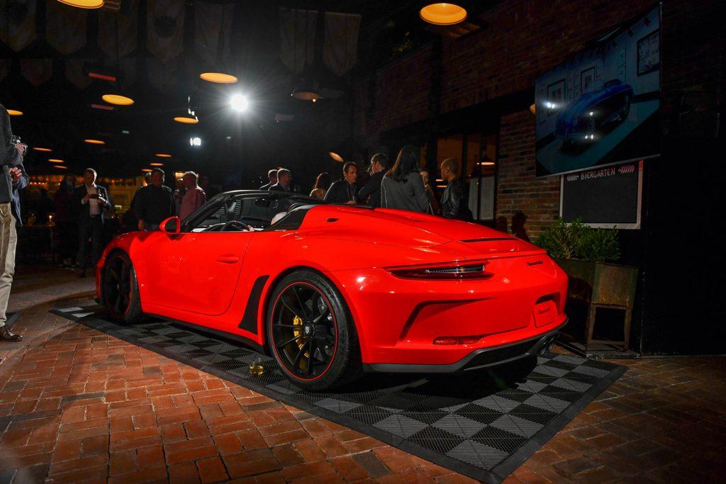 2019-porsche-911-speedster_8